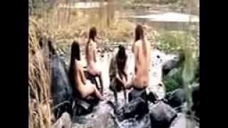 getlinkyoutube.com-Video Lucu Ngintip ABG Mandi Di Sungai Ketahuan Hahaha