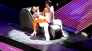 getlinkyoutube.com-Pt2- Usher brings girl on stage