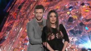 getlinkyoutube.com-Mila Kunis and Justin Timberlake   Funny Moment