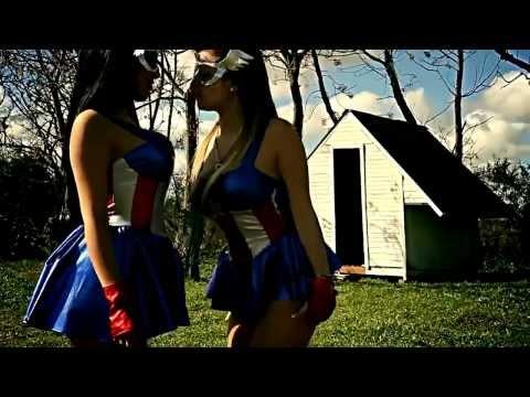 Bien Ahi Feat Owin Y Jack de Tu Papa Letra y Video