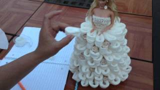getlinkyoutube.com-Barbie Recuerdo Para Quinceñera usando papel higenico