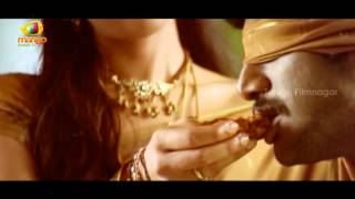 getlinkyoutube.com-Reema Sen feeding Vishal - Prema Chadarangam Movie Scenes - Vishal, Vivek
