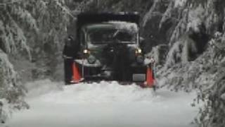 getlinkyoutube.com-Dodge Power Wagon snowplow