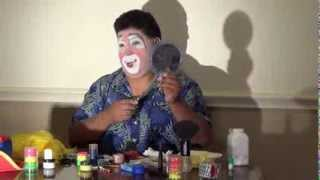getlinkyoutube.com-Pelukyta put on his clown makeup 2013