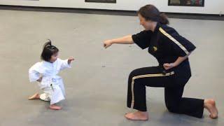 getlinkyoutube.com-Three Year Old Taekwondo Master