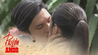 getlinkyoutube.com-Pasion de Amor: Franco kisses Elle