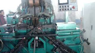 getlinkyoutube.com-Automatic chain welding machine used for high strength chain making.avi