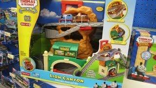 getlinkyoutube.com-Lion Canyon Take N Play PlaySet - Thomas the Tank Engine and Friends