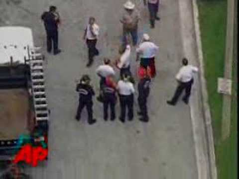 Raw Video: Crane Collapse in Miami