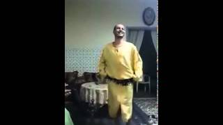 getlinkyoutube.com-شوهة رجل مغربي يرقص رقص الفتيات danse maroc arabe