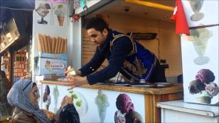 THE WORLDS FUNNIEST ICE CREAM MAN...MUST WATCH!! (Istanbul Turkey)