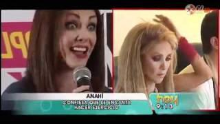 getlinkyoutube.com-Anahí Se Molesto Con Una Reportera