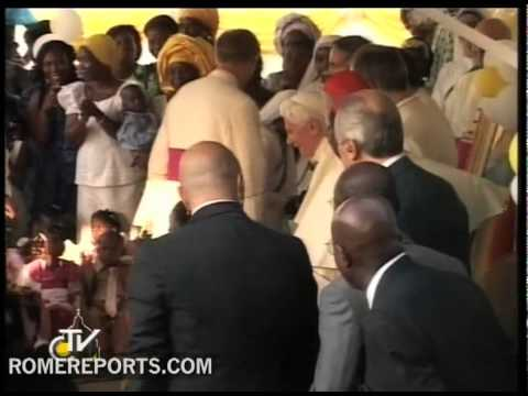 Pope meets and prays with needy children in Cotonou  Benin