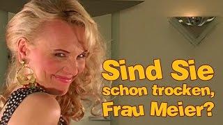 getlinkyoutube.com-Friseuse Claudia - Ein Unfallverhütungsfilm