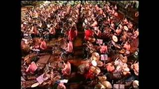 getlinkyoutube.com-1000 drummers & The Golden Earring - Radar Love (5-9-1992_Rotterdam)