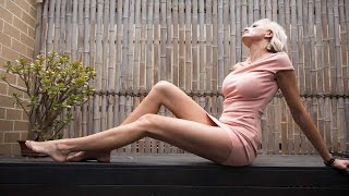 getlinkyoutube.com-Mummy Long Legs: Ex Australian Model Bids For World's Longest Legs