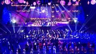 getlinkyoutube.com-Christmas Tattoo Basel  Finale mit AMAZING GRACE von National Youth Pipe Band of Scotland