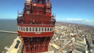 getlinkyoutube.com-Drone flies Blackpools Golden Mile-TBS Discovery FPV