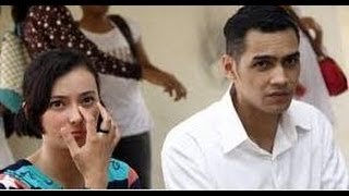 getlinkyoutube.com-Beda Keyakinan Pernikahan Asmirandah Dan Jonas Rivanno Hanya Bertahan 20 Hari.mp4,
