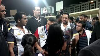getlinkyoutube.com-Salman khan at sharjah stadium CCL 2012