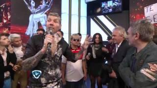 getlinkyoutube.com-Showmatch 2014 - Charango cantó y detrozó una canción de Rodrigo