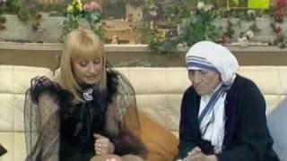 getlinkyoutube.com-Raffaella Carra' - Intervista a Madre Teresa di Calcutta - Seconda parte