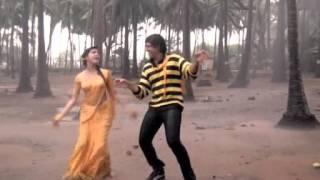 getlinkyoutube.com-Kimi Katkar in wet yellow saree (rain song)