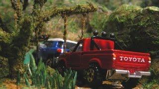 getlinkyoutube.com-【Jungle Diorama ジャングル ジオラマ製作】トミカ・ハイラックス、マジョレット・FJクルーザー