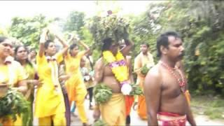 getlinkyoutube.com-KANTHAN KALLUMALAI KOVIL FIRE WALK 2013