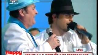 getlinkyoutube.com-Formatia Azur - Se marita Mona duet cu trupa 0 LIVE la Pro TV 2013
