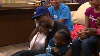 getlinkyoutube.com-One TV Appearance Leads to a Happy Family Reunion
