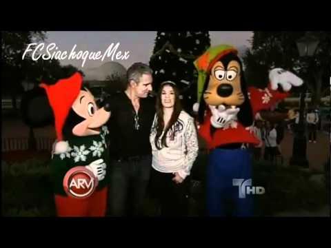 Catherine Siachoque y Miguel Varoni celebrando en Disney