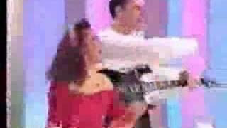 getlinkyoutube.com-PRIMERA ACTUACION DE AMISTADES EN TELEVISION