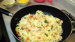 getlinkyoutube.com-How to Make Vegetable Fried Rice - Authentic Chinese Style - Quick and Easy Recipe!