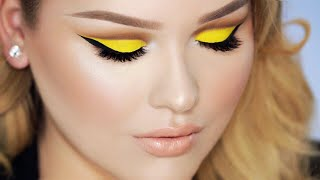 getlinkyoutube.com-MINIONS Yellow Cut Crease Makeup with Nude Lips