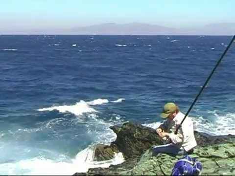 Rock fishing in Greece-Pole fishing-Απίκο στα βράχια για μελανούρια