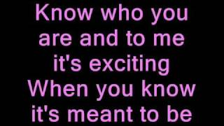getlinkyoutube.com-Selena Gomez - Naturally (lyrics)