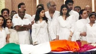 Emotional Jhanvi Kapoor & Khushi Kapoor At Mom Sridevi's Funeral