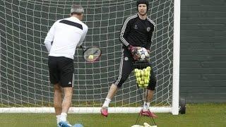 getlinkyoutube.com-Goalkeeper training - Petr Cech training