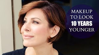 Simple-Makeup-Tips-To-Look-10-Years-Younger width=