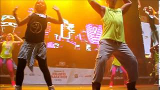 getlinkyoutube.com-Zumba Reebok Wellness Marathon 2015, Julie mit Beto himself on stage