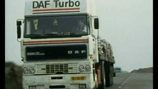getlinkyoutube.com-DAF 3300 vs Iveco 190-42 - Chase