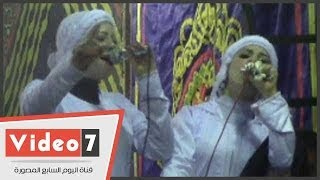 بالفيديو.. شاهد على خطى ياسين التهامى.. فتيات يحيين مولد السيدة زينب