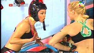 getlinkyoutube.com-COMBATE Paloma y Valentina conversan en Ruso y Portugues 21/08/13