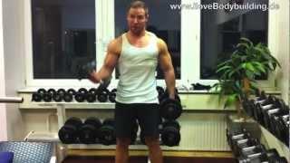 Muskelaufbau Training - Rücken und Bizeps trainieren