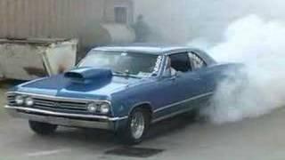 getlinkyoutube.com-67 Chevelle Doing a Burnout