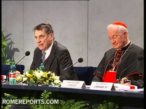 Cardinal Marc Ouellet and Claudio Magris speak about the Pope's new book in the Vatican