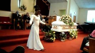 getlinkyoutube.com-Now Behold The Lamb Praise Dance