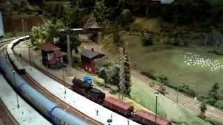 getlinkyoutube.com-Modelleisenbahn im Erzgebirge in Zschopau 10 min - beautiful model railway in the Ore Mountains