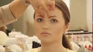 Школа макияжа. Коррекция формы бровей: короткие брови.